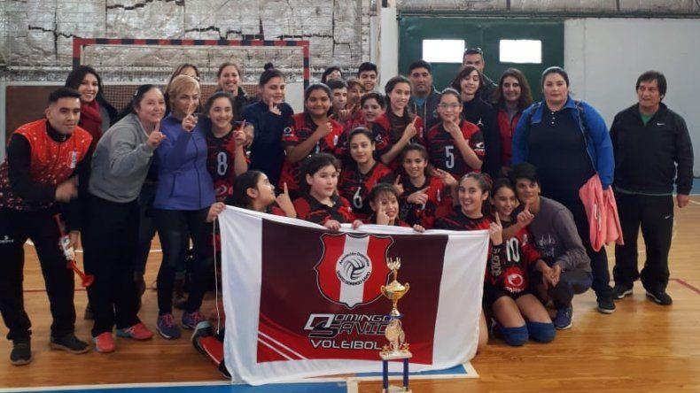 Las chicas de Savio festejaron por segunda vez consecutiva un triunfo provincial.