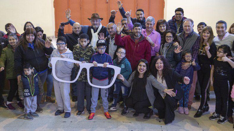 El municipio entregó cien pares de lentes gratuitos