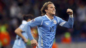 Diego Cachavacha Forlán anunció su retiro del fútbol