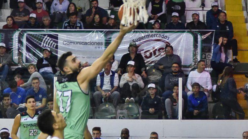 Sebastián Vega llega y convierte en bandeja en un partido donde Gimnasia le ganó por paliza a San Lorenzo.