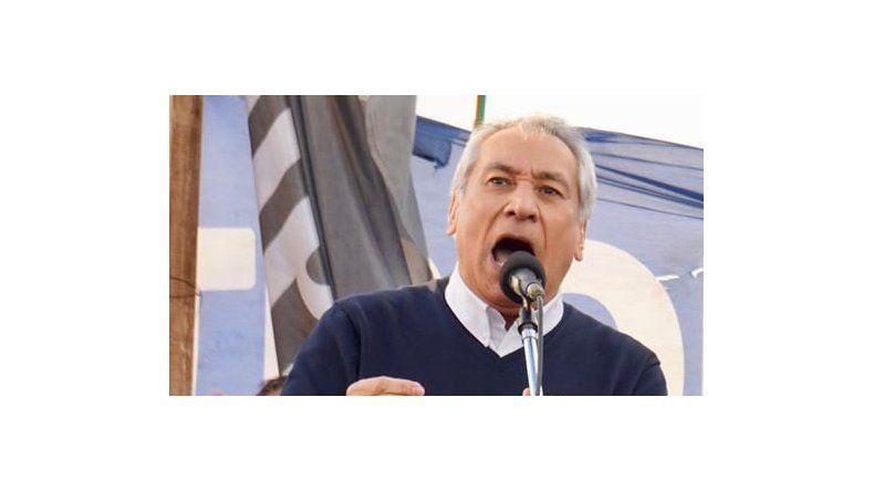 Alfredo Beliz cerró ayer su campaña en Comodoro Rivadavia con el apoyo de los trabajadores petroleros.