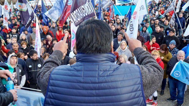 Jorge Avila encabezó el acto que se desarrolló ayer en la futura sede de Petroleros Privados en Km 5.