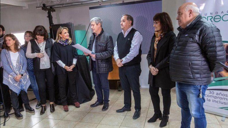 El encuentro que autoridades municipales mantuvieron ayer con representantes de la Fundación Crecer.