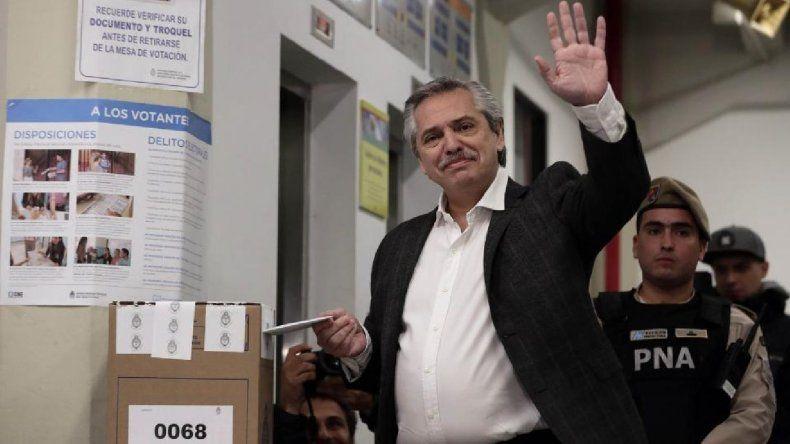 Fernández votó y expresó su preocupación por el escrutinio