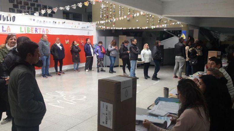 Electores se enteraron a último momento que votaban en la Escuela de Arte