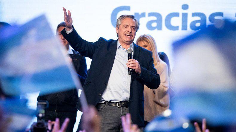 Alberto Fernández se impuso por el 47,65 % ante Macri