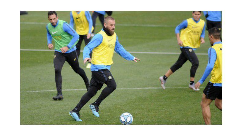 Daniele De Rossi hará esta noche su debut oficial con la camiseta de Boca.