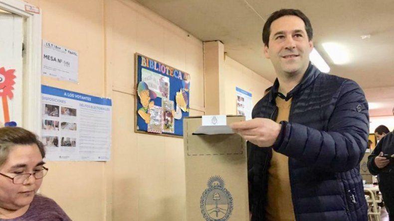 Juan Pablo Luque fue el más votado el domingo en Comodoro y llegará tonificado a la elección general del 27 de octubre.