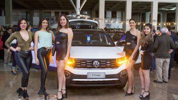 Para darle una acorde bienvenida a la última incorporación de la familia Volkswagen, Comercial Automotor abrió las puertas a sus clientes.