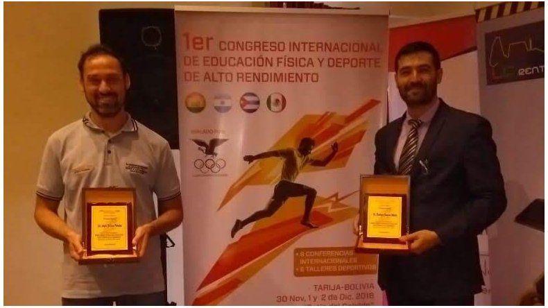 El licenciado Angel Da Luz Pereira –der- junto al doctor Rodrigo Merlo.