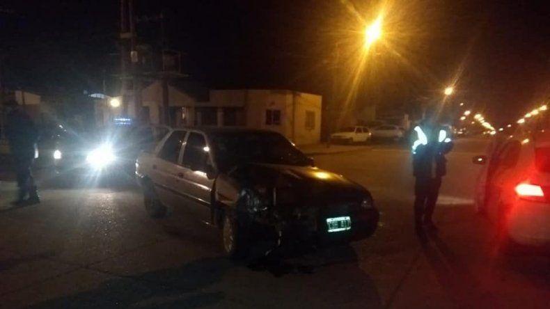 Claudia Ojeda Iba con un amigo cuando chocó a los autos estacionados. La Policía decidió demorarla hasta que recobrara la lucidez