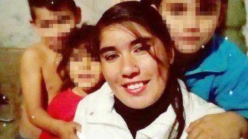 alerto por facebook que su ex no respetaba la perimetral y la encontraron muerta