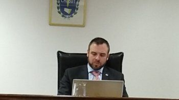 El juez Jorge Novarino resolvió absolver al imputado.