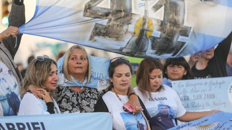 Familiares de los submarinistas muertos insisten en que hubo homicidio con dolo