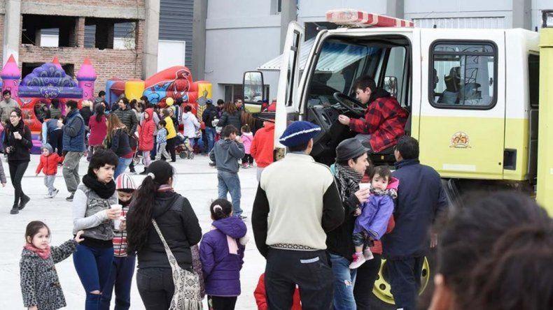 Este domingo por la tarde los bomberos celebran el Día del Niño