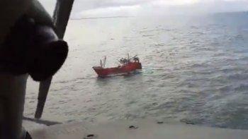 marinero se descompenso en el mar a casi 200 kilometros de trelew