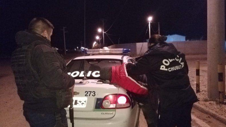 Detuvieron a un hombre en KM 8 por golpear a su pareja