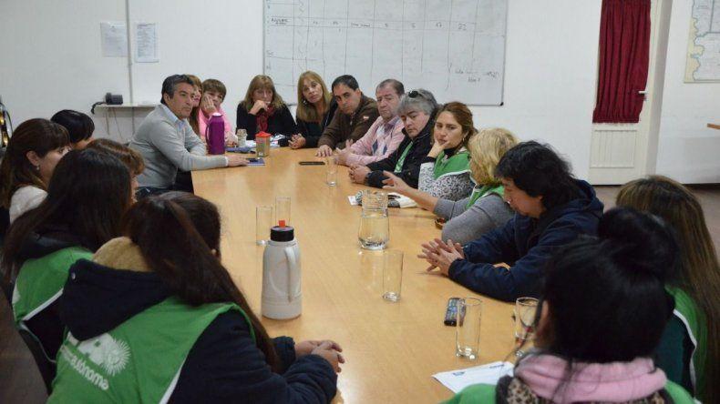 El encuentro que concejales mantuvieron con un grupo de representantes de trabajadores estatales.