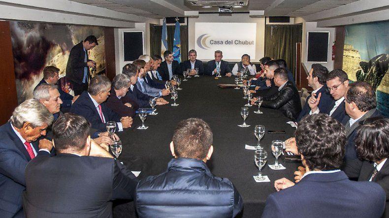 Arcioni se reunió con petroleras que ratifican las inversiones en Chubut