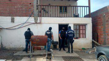realizaron dos allanamientos por robos armados en el barrio stella maris