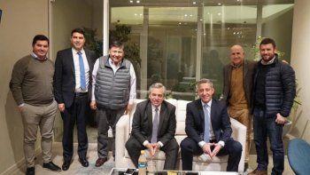 Dirigentes petroleros, acompañados por el gobernador Mariano Arcioni, se reunieron con el candidato presidencial Alberto Fernández.