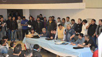 El plenario del Sindicato de Petroleros Privados donde ayer se resolvió declarar el paro.
