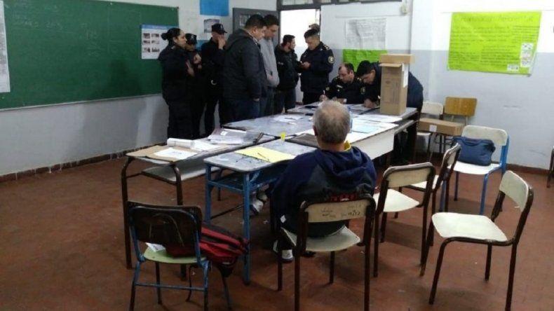 Un funcionario de Macri fue fiscal en las PASO, rompió el telegrama y casi va preso