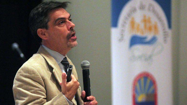El doctor Carlos Damín será el disertante.