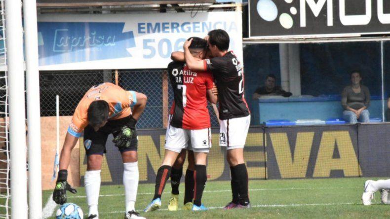 Colón festejó y espera al ganador del cruce entre Atlético Tucumán y Boca Unidos de Corrientes.