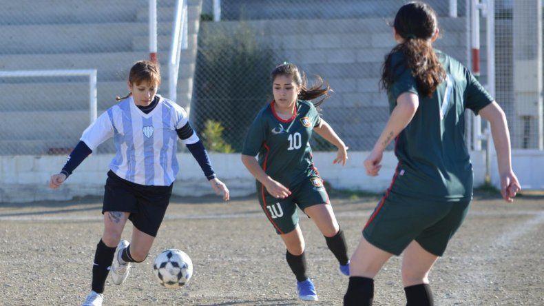 Caleta Córdova y Deportivo Portugués jugaron la fecha pasada en terreno lusitano.