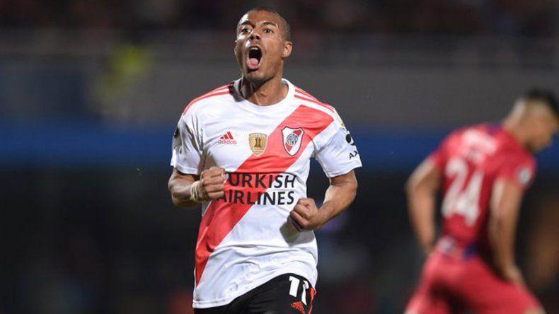 Nicolás De La Cruz festeja su gol en el empate de River ante Cerro Porteño.