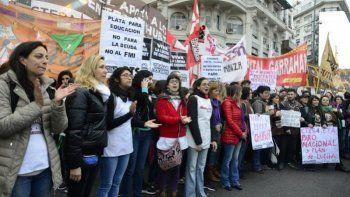 Docentes de Chubut visibilizaron su lucha frente al Obelisco porteño
