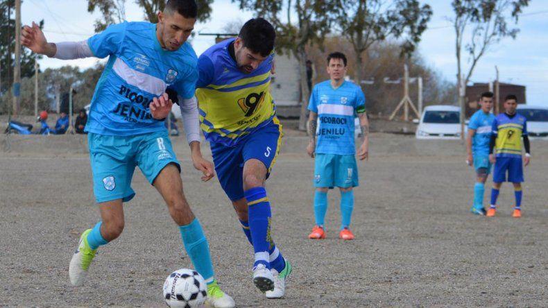 Franco Domínguez trajo los goles desde Mendoza en el triunfo de Caleta ante Talleres.