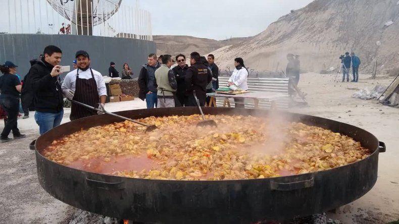 Más de mil porciones de comida por los Bomberos Voluntarios