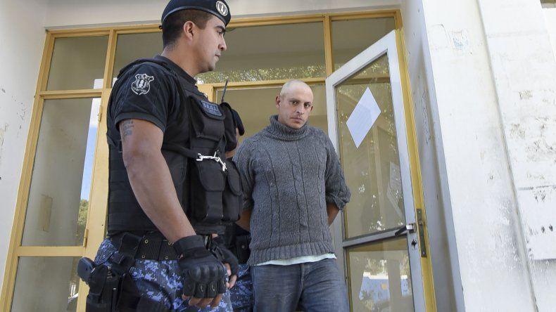 A.E.O. llegó a juicio bajo prisión preventiva durante 18 meses. En todo el proceso alegó su inocencia.