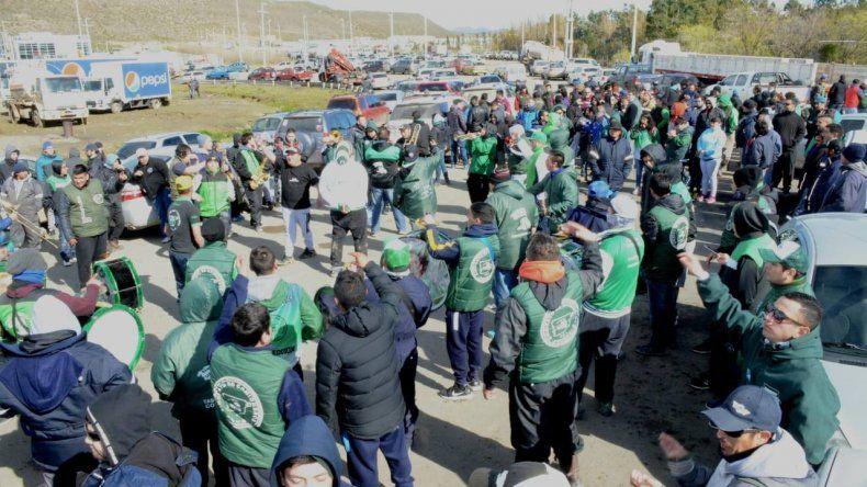Los camioneros de Chubut realizarán un paro en solidaridad con los docentes