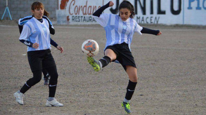 El fútbol femenino jugará solo dos encuentros por la zona B