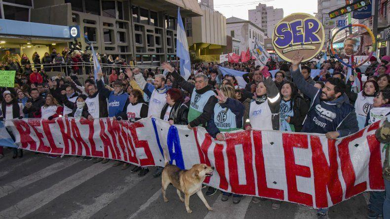Alrededor de 20 cuadras se extendía la fila de manifestantes que se movilizó por las calles céntricas.