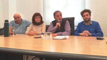 Gaitán, Peralta, Linares y Romero durante el acto licitatorio que realizó ayer el municipio.