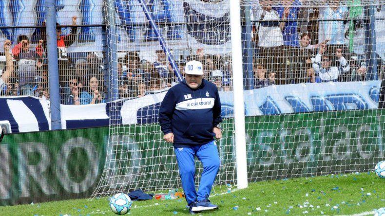 Maradona: quiero un país sonriente y no lo veo así para nada