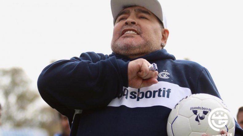 Maradona no fue al entrenamiento de Gimnasia