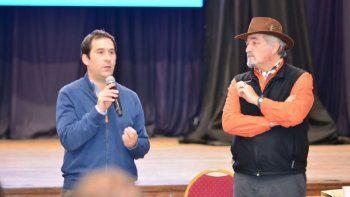 En la lista final de concejales del PJ habrá 5 candidatos de Almirón