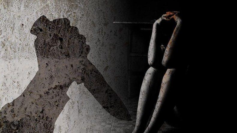 Mujer apuñalada por su esposo en el Moure teme por su vida