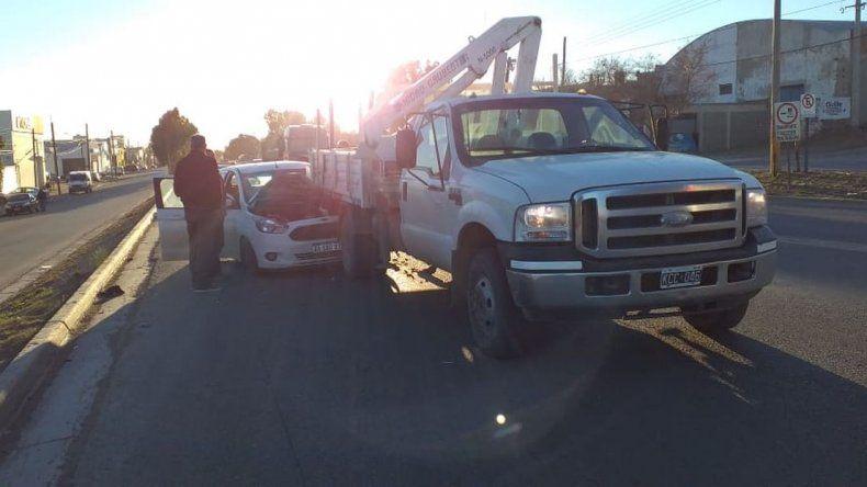 Camino a Rada Tilly, chocó contra un camión en la Yrigoyen
