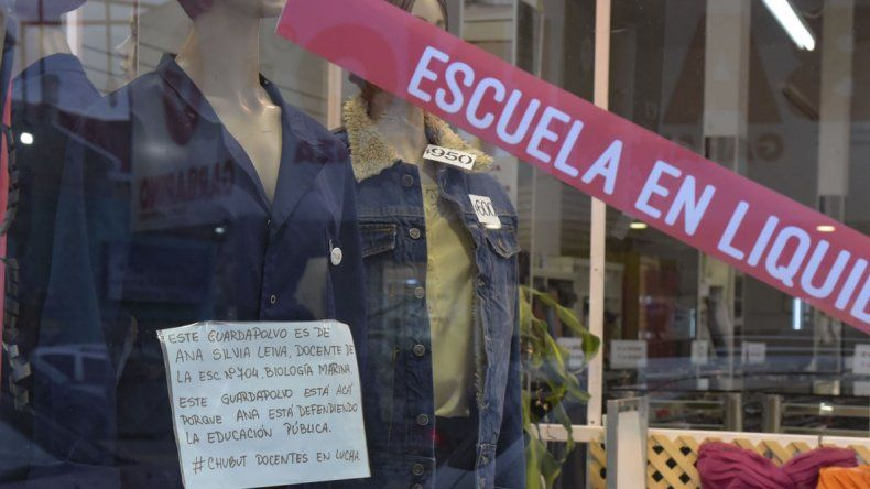 Diversos comercios de la calle San Martín adhirieron a la iniciativa.