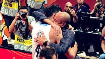 El emocionante abrazo entre Ginóbili y Scola