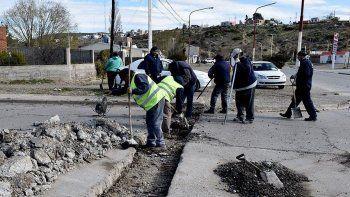 Esta semana comenzó a repararse el pavimento deteriorado en la céntrica esquina de las avenidas Güemes y Belgrano.