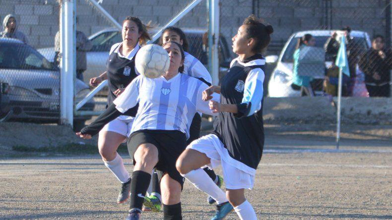 Las chicas jugarán una nueva fecha del certamen oficial que organiza la Liga de Fútbol local.