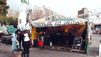 La Regional Sur de ATECh y la Mesa de Unidad Sindical de Comodoro Rivadavia proponen a volver a acampar en las afueras de Casa de Gobierno.