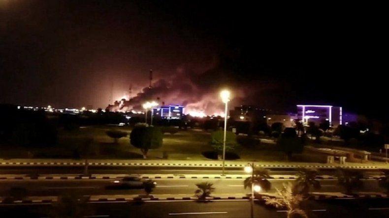 El Gobierno condenó el ataque a dos refinerías en Arabia Saudita